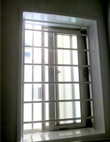 浴室窓に防犯内格子