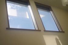 高窓に断熱フィルムを施工